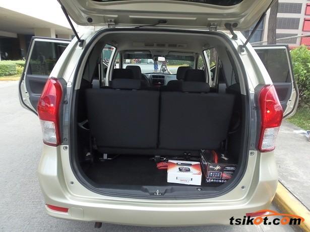 Toyota Avanza 2012 - 7