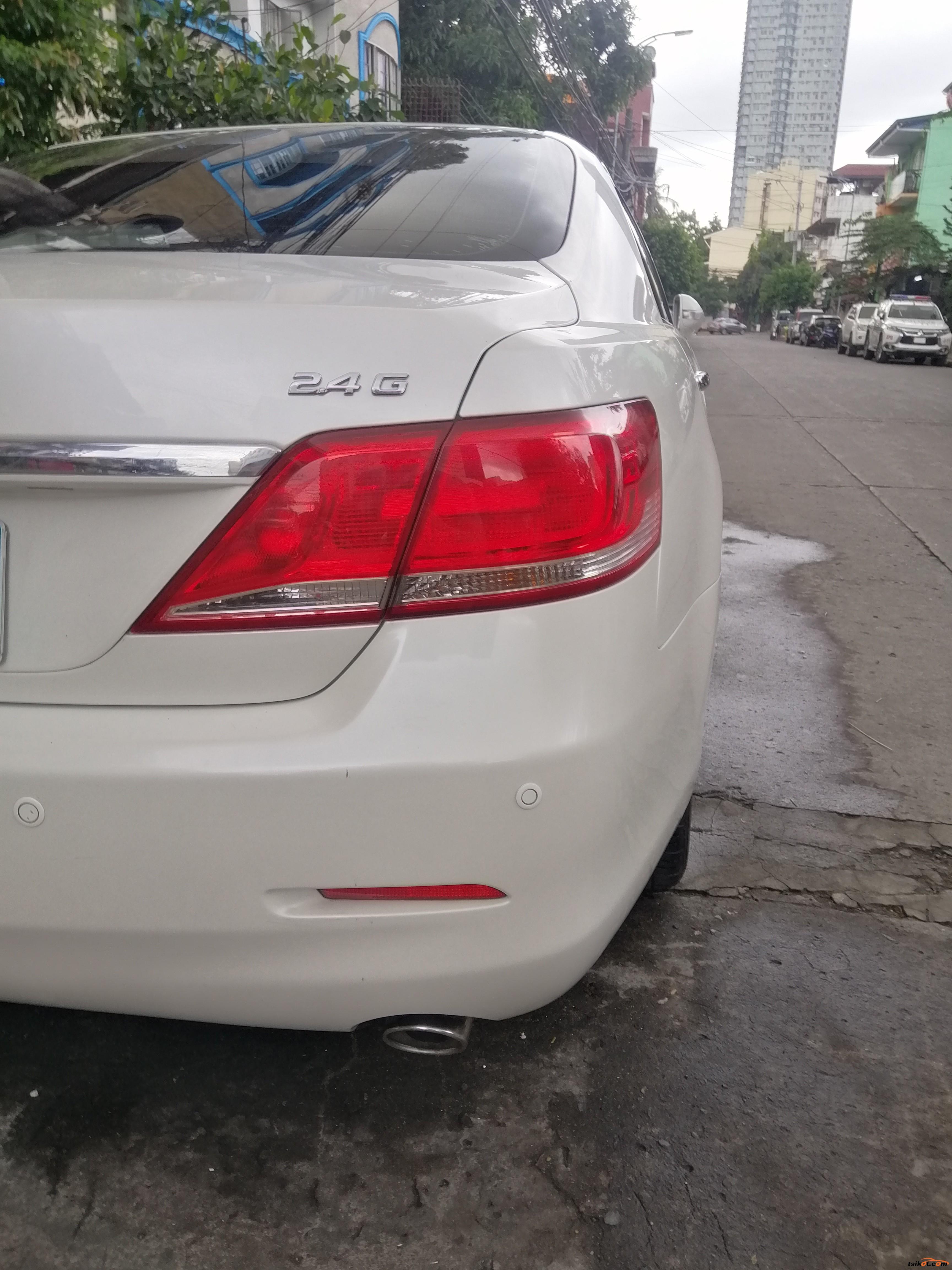 Toyota Camry 2010 - 8