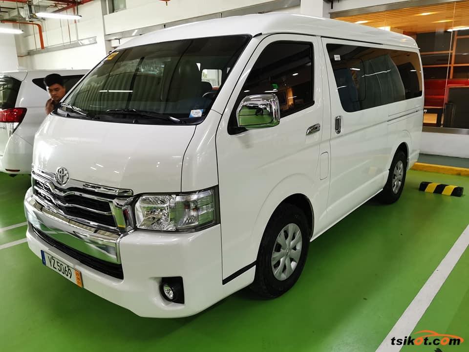 Toyota Hi-Ace 2016 - 3