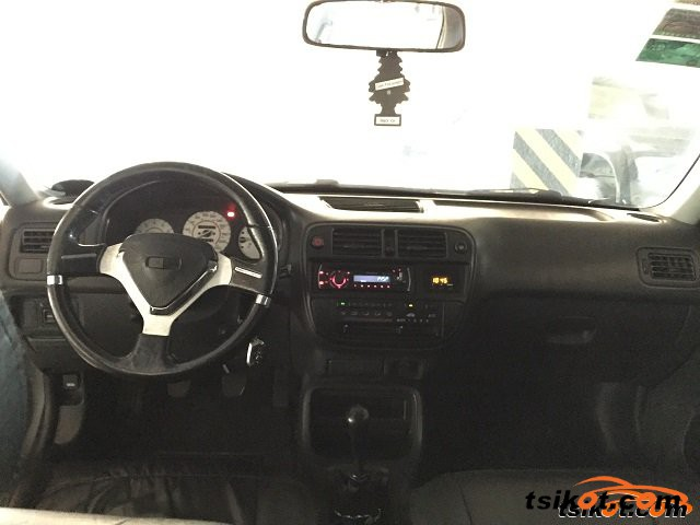 Honda Civic 2000 - 5
