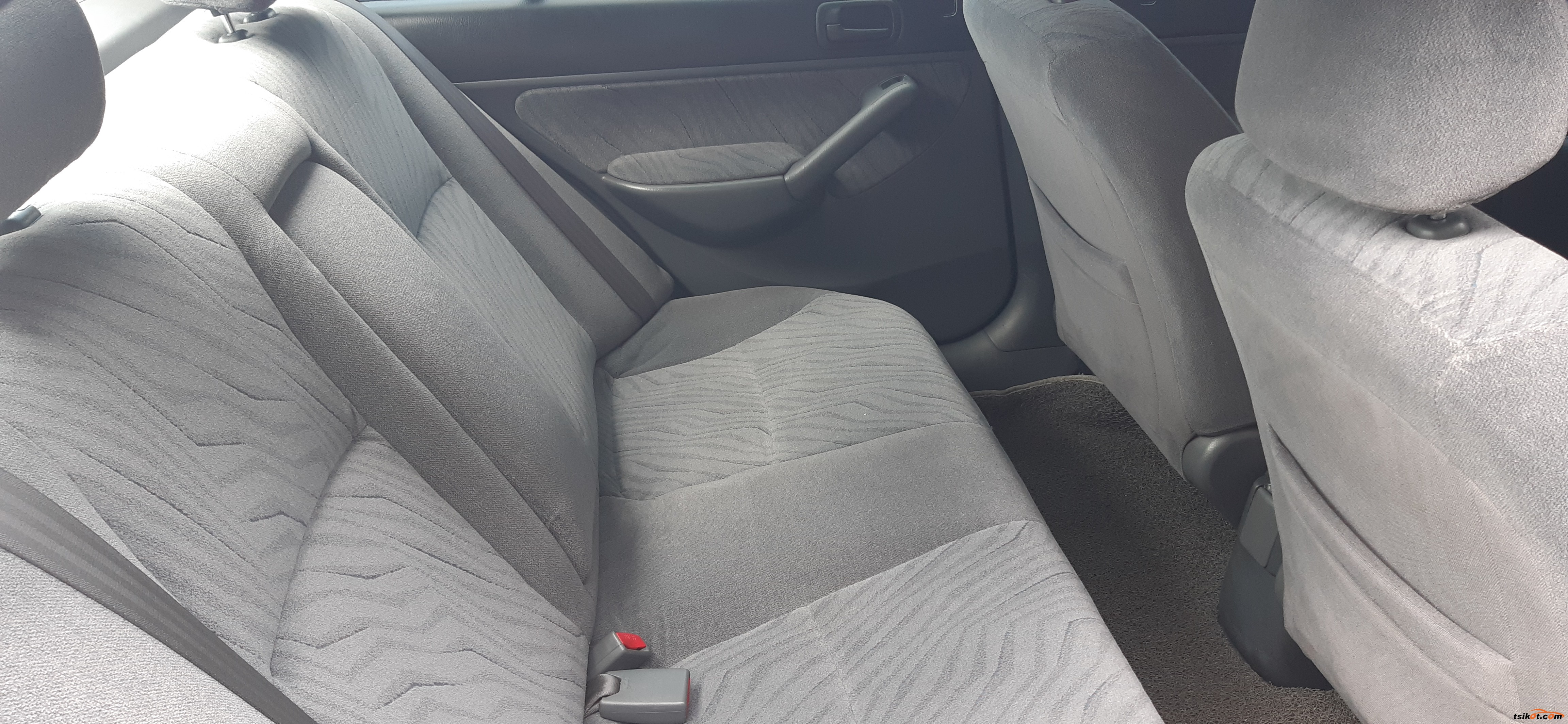 Honda Civic 2005 - 4