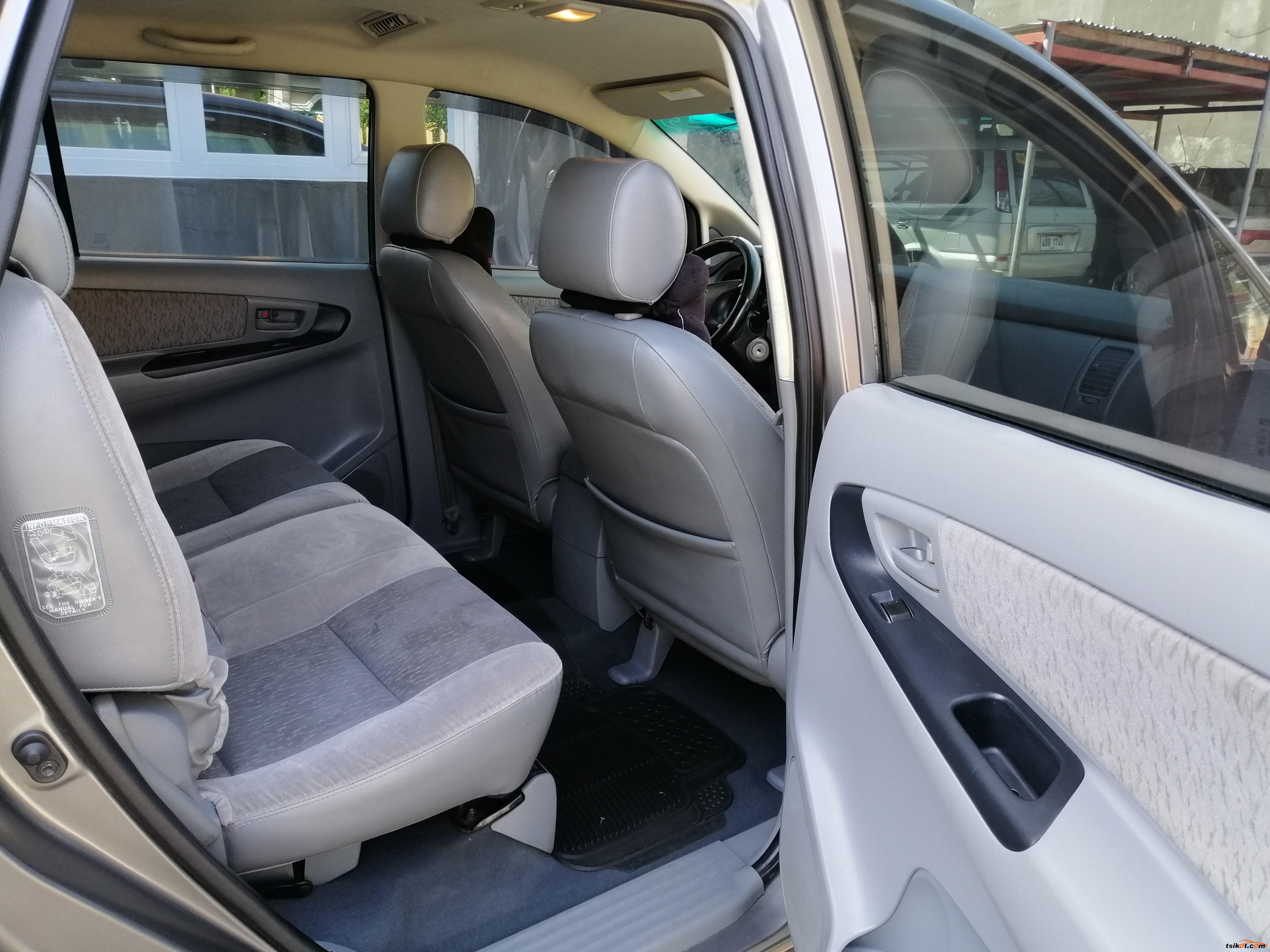 Toyota Innova 2007 - 7