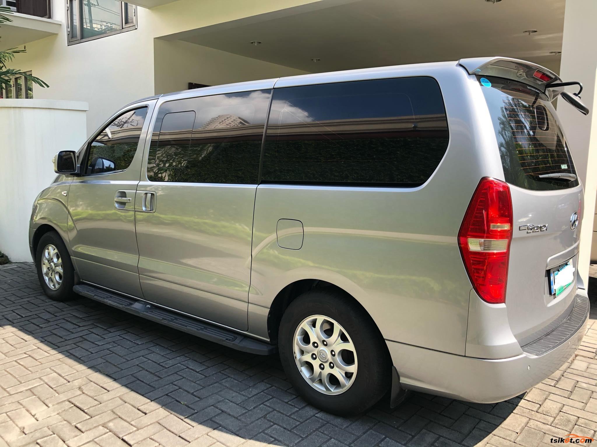 Hyundai Starex 2011 - 1