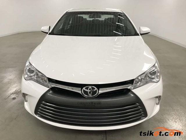 Toyota Camry 2016 - 1