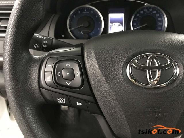 Toyota Camry 2016 - 6
