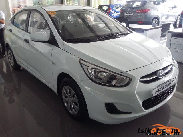 Hyundai Accent 2015 - 3