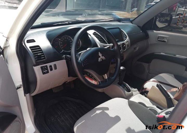 Mitsubishi Strada 2012 - 2