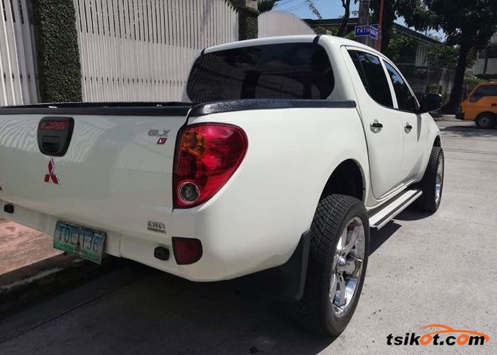 Mitsubishi Strada 2012 - 4