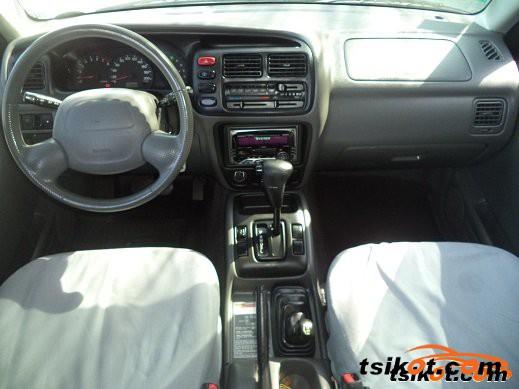 Suzuki Grand Vitara 2000 - 2