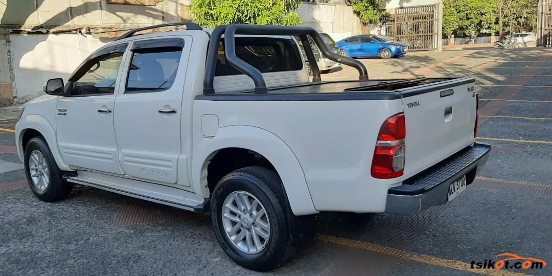 Toyota Hilux 2015 - 6
