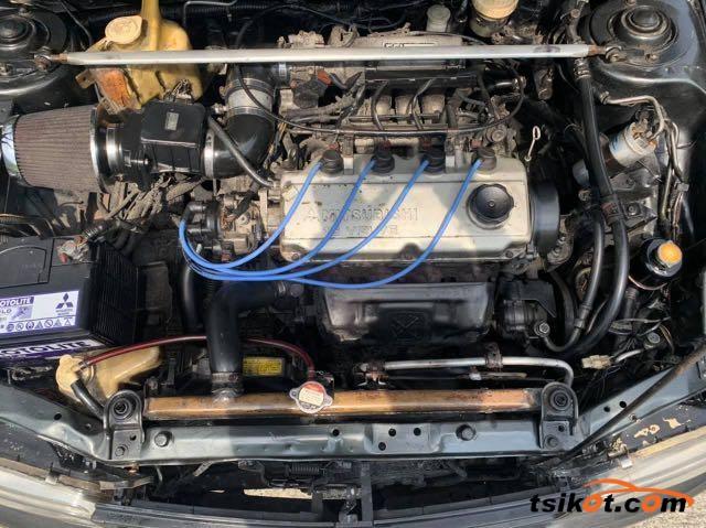 Mitsubishi Lancer 1994 - 10