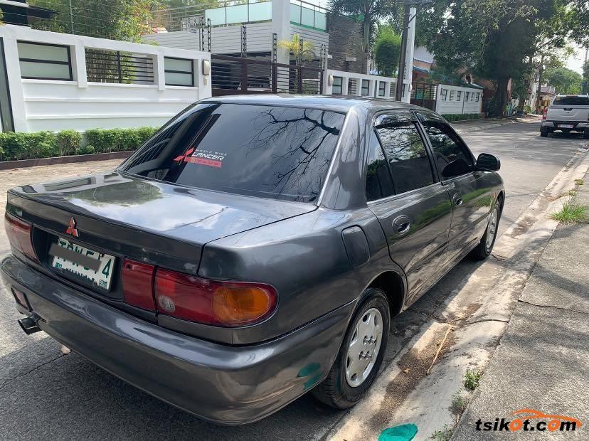 Mitsubishi Lancer 1994 - 7