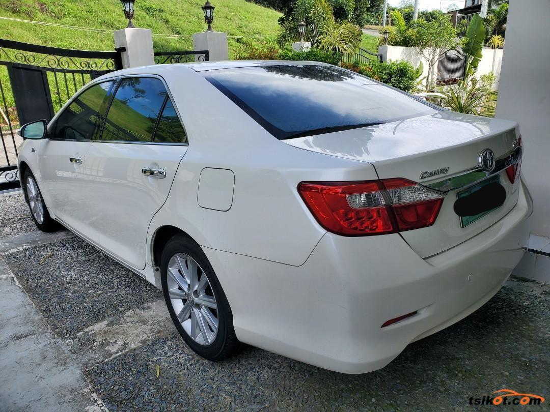 Toyota Camry 2012 - 3