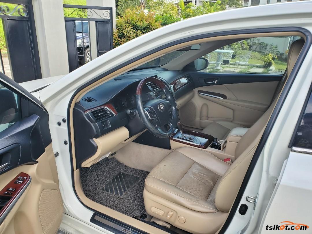 Toyota Camry 2012 - 5