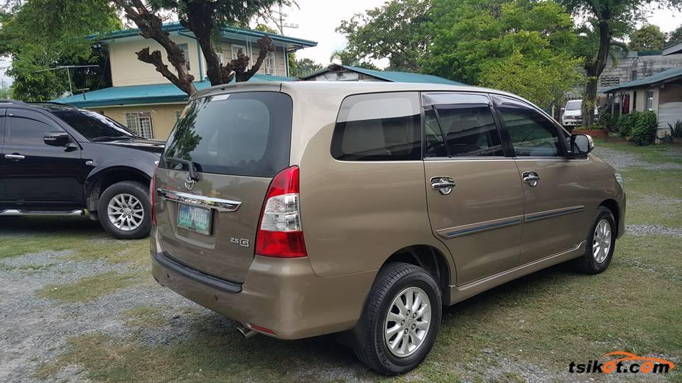 Toyota Innova 2013 - 2