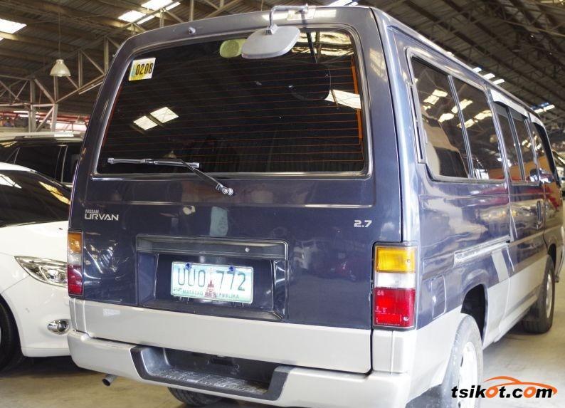 Nissan Urvan 2013 - 2