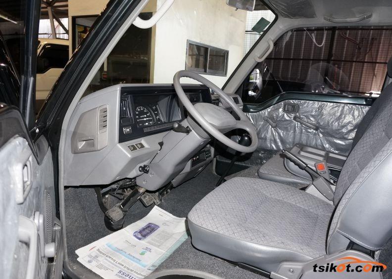 Nissan Urvan 2015 - 3