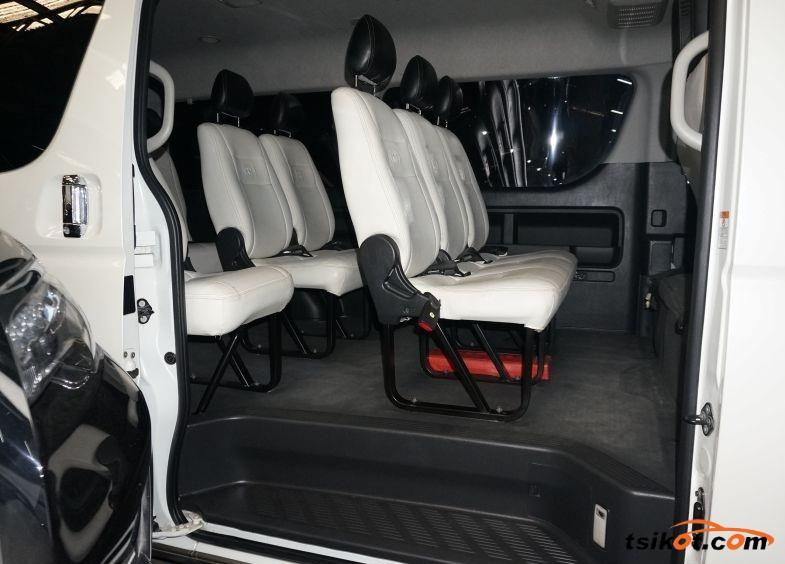 Toyota Hiace 2016 - 4