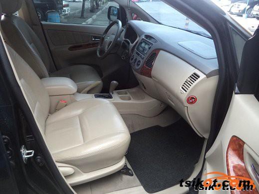 Toyota Innova 2009 - 5