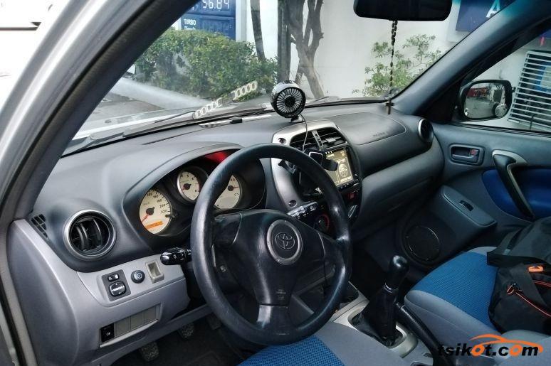 Toyota Rav4 2003 - 4