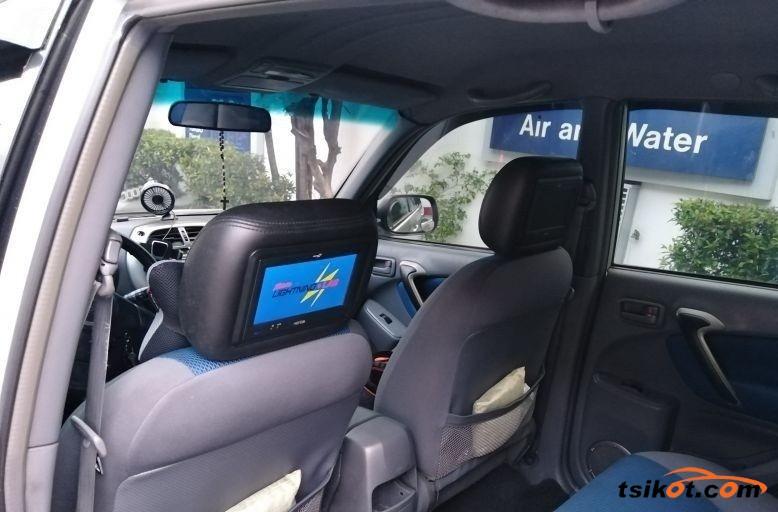 Toyota Rav4 2003 - 5