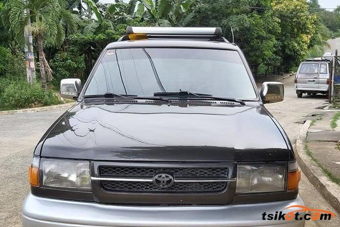 Toyota 4Runner 2000 - 5