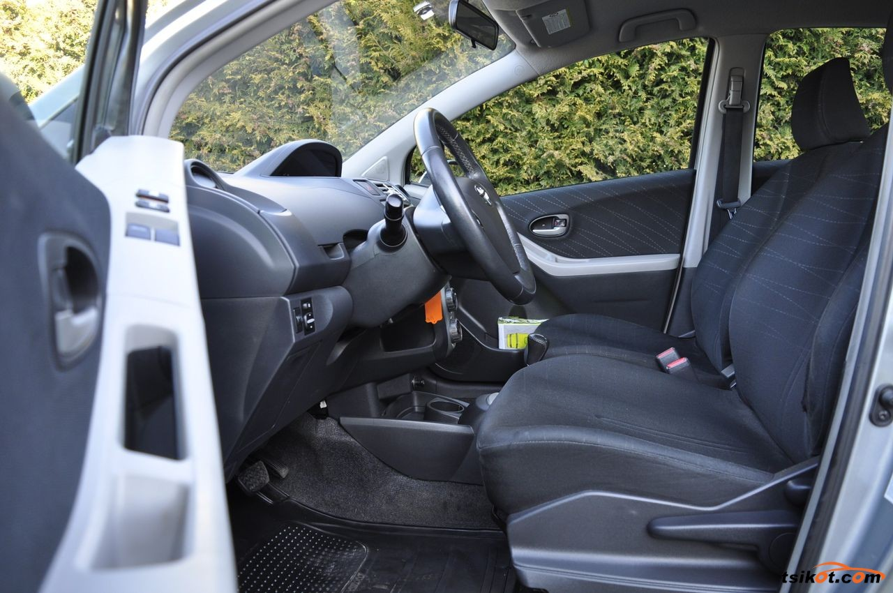 Toyota Yaris 2008 - 9