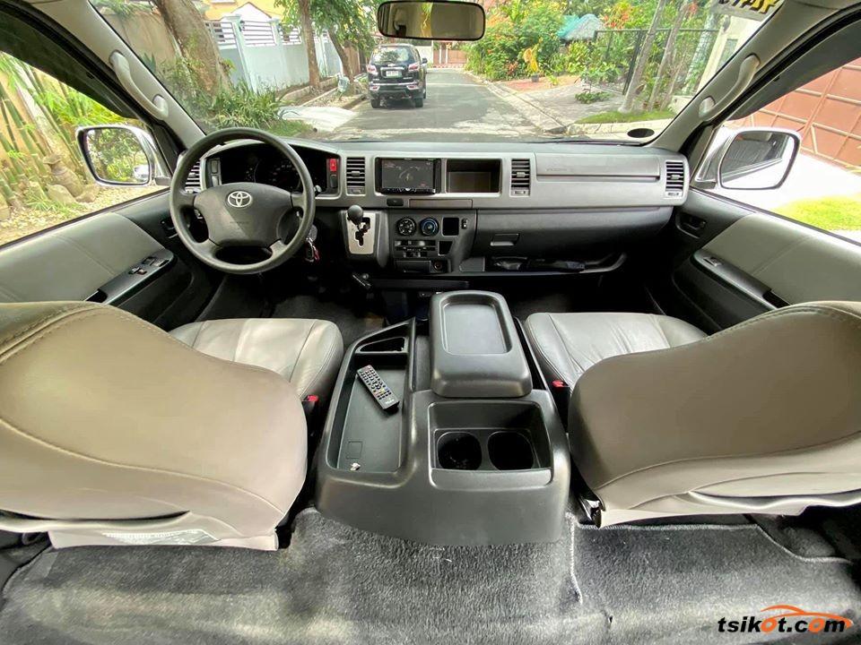 Toyota Hi-Ace 2014 - 3