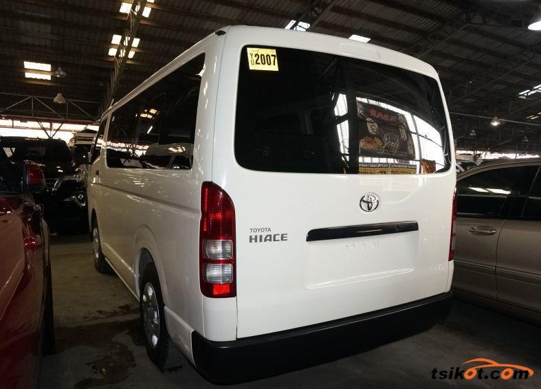 Toyota Hi-Ace 2016 - 2