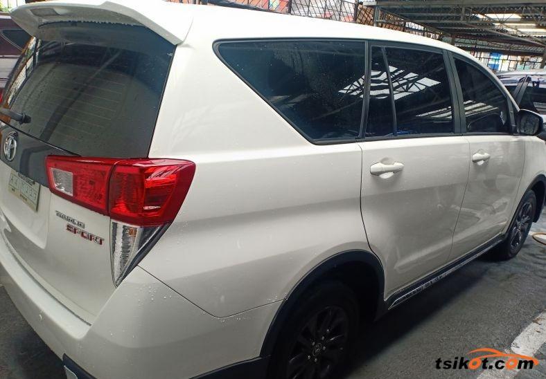 Toyota Innova 2018 - 4