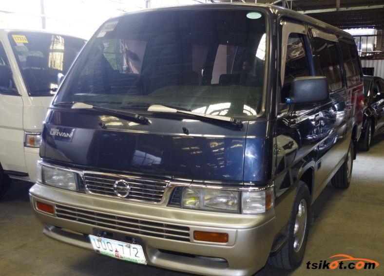 Nissan Urvan 2013 - 1