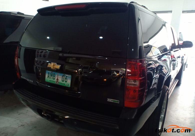 Chevrolet Suburban 2010 - 5