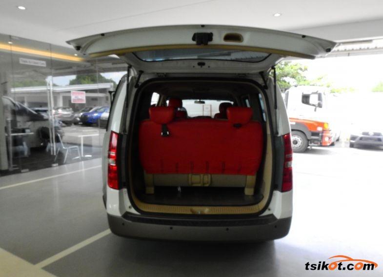Hyundai Starex 2014 - 3