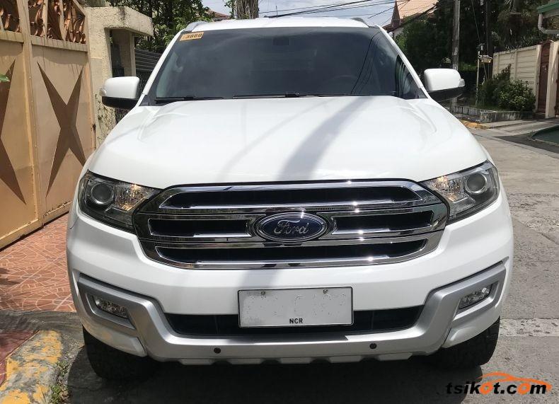 Ford Everest 2015 - 1