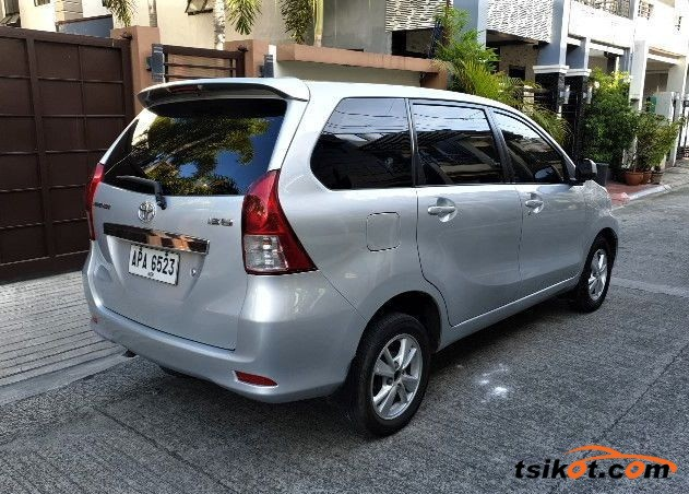 Toyota Avanza 2015 - 3