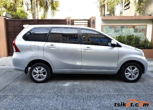Toyota Avanza 2015 - 4