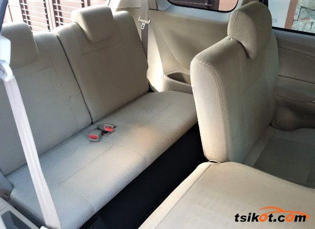 Toyota Avanza 2015 - 6