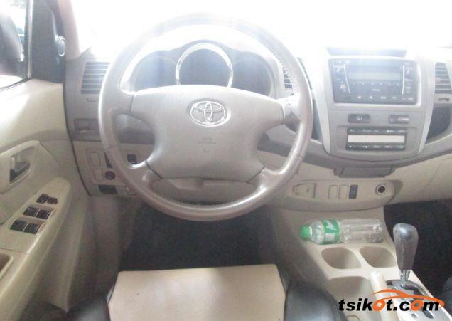 Toyota Fortuner 2007 - 3