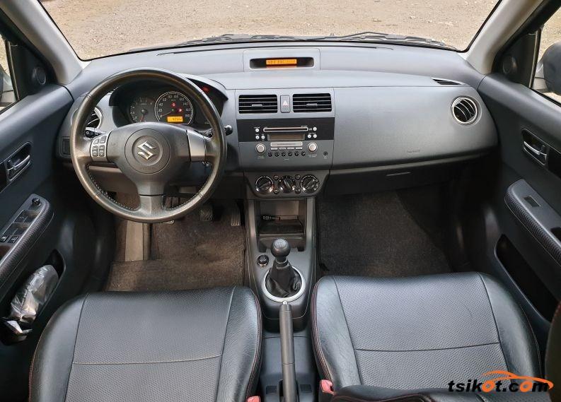Suzuki Swift 2010 - 3