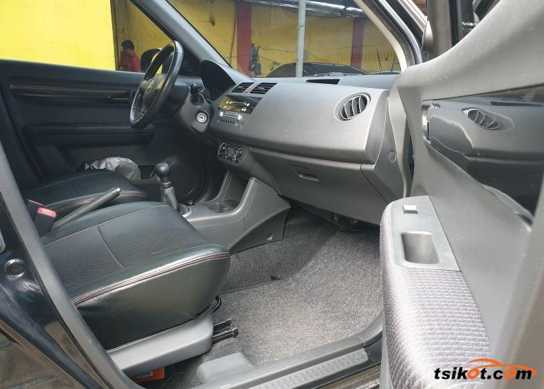 Suzuki Swift 2010 - 4