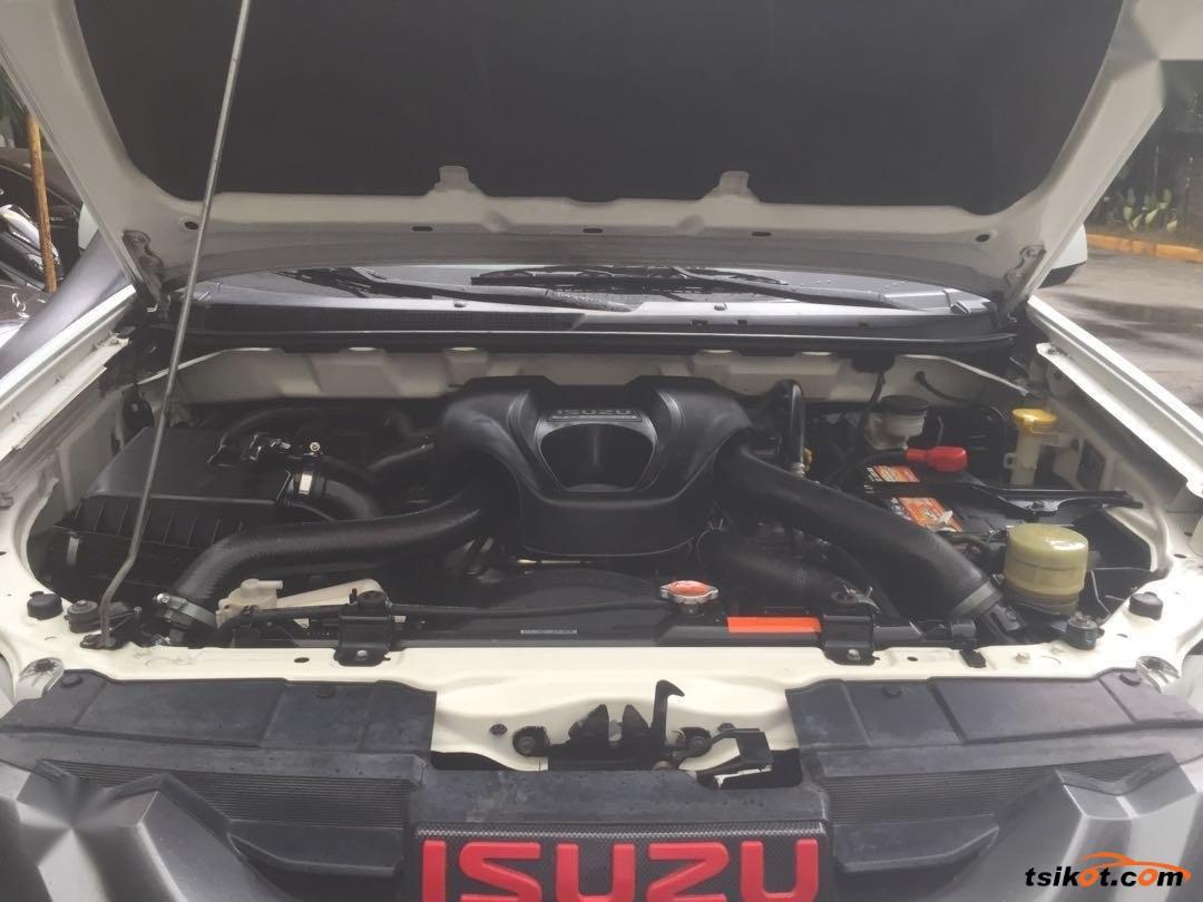 Isuzu Mu-X 2015 - 6