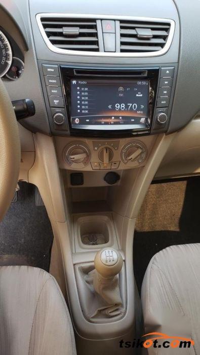 Suzuki Ertiga 2017 - 6