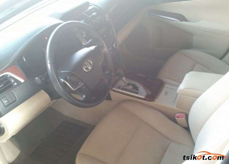 Toyota Camry 2014 - 3