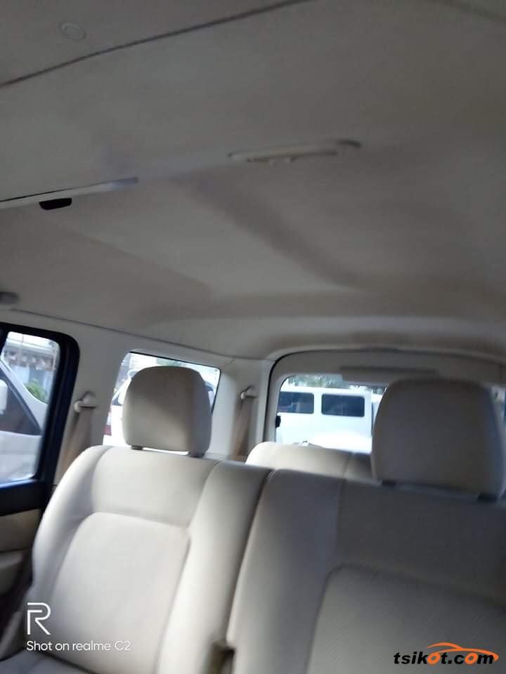 Ford Everest 2009 - 3