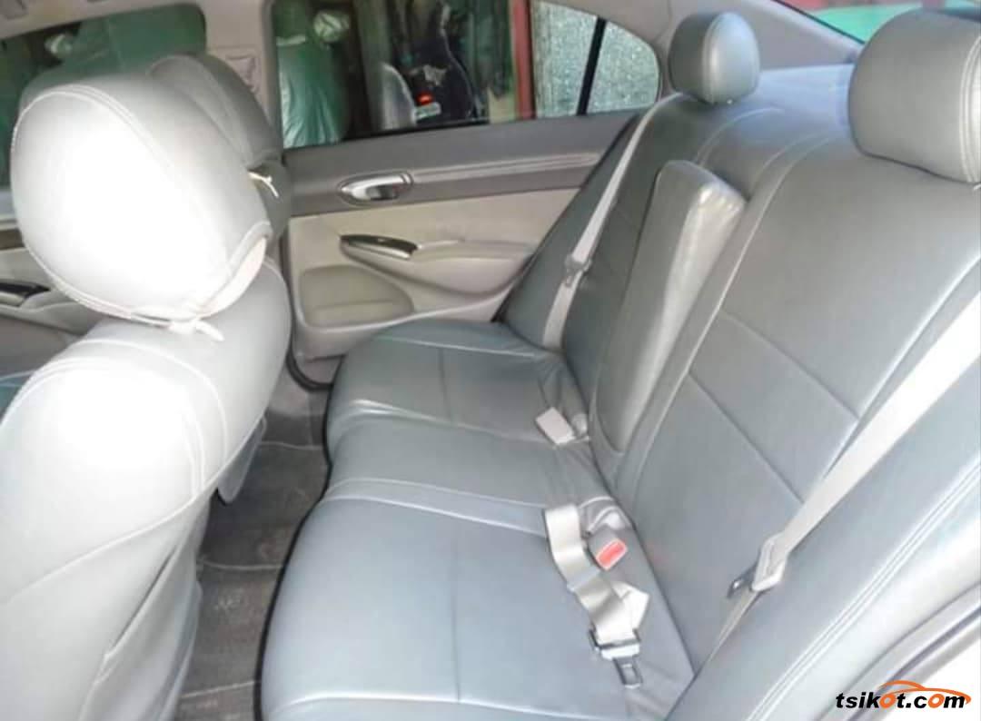 Honda Civic 2007 - 10