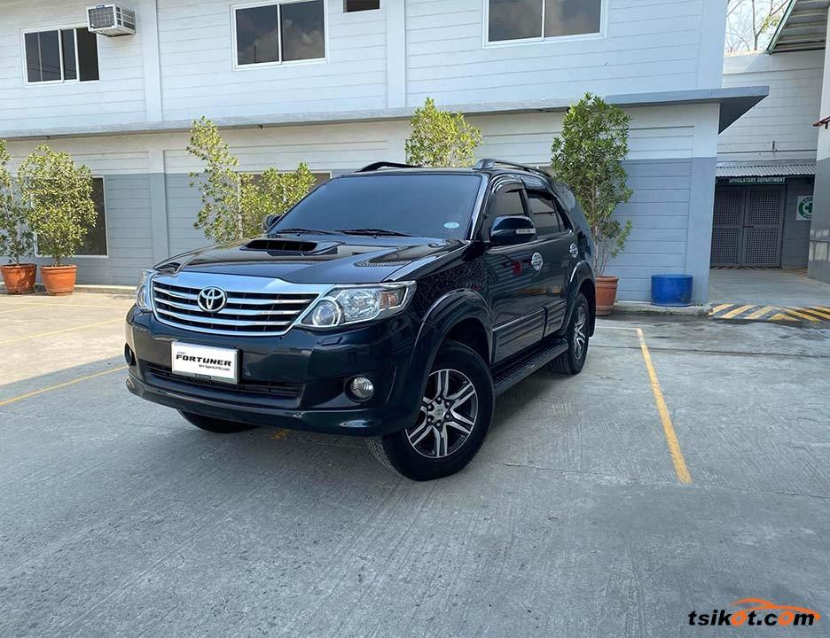Toyota Fortuner 2013 - 1