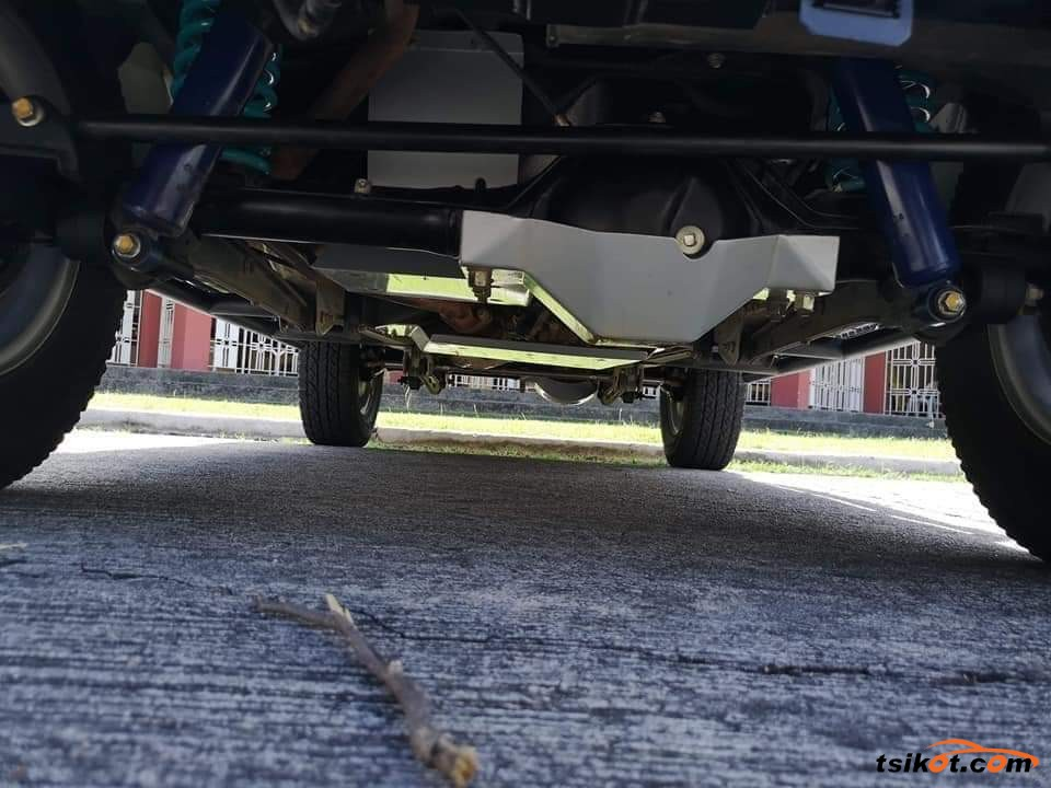 Suzuki Jimny 2017 - 6