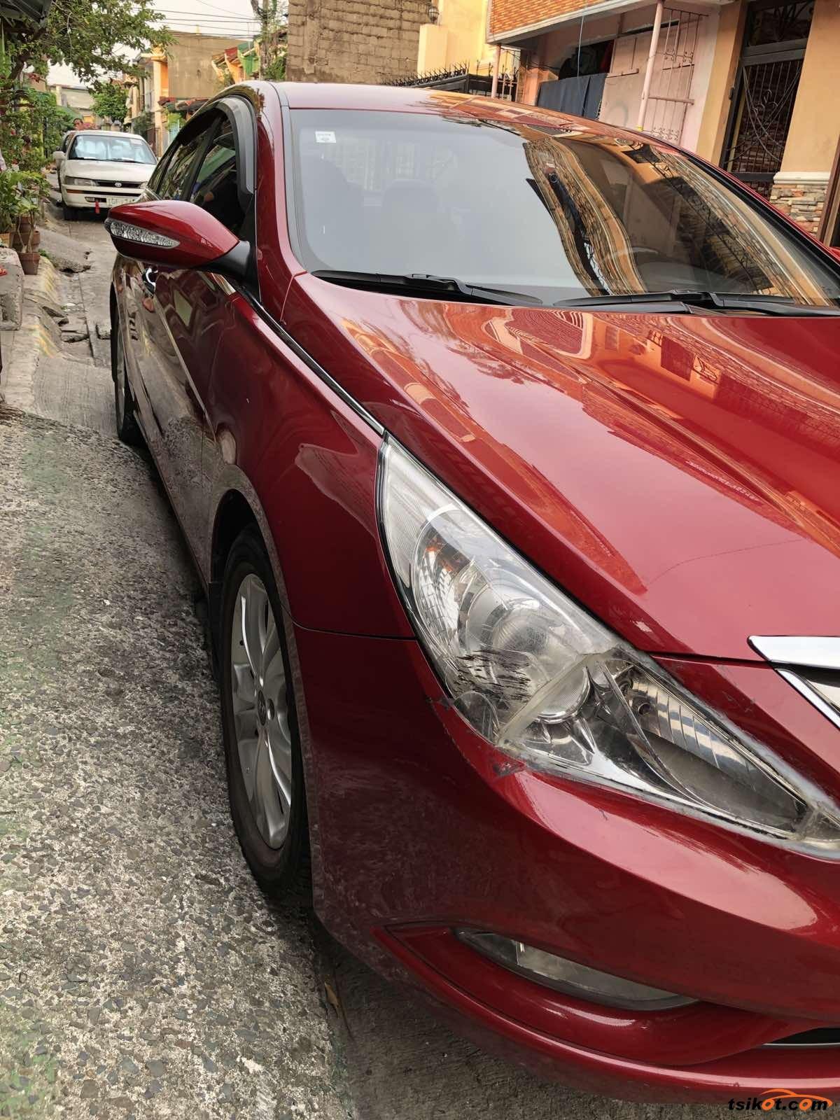 Hyundai Sonata 2011 - 3