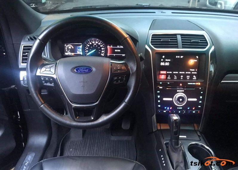 Ford Explorer 2017 - 4