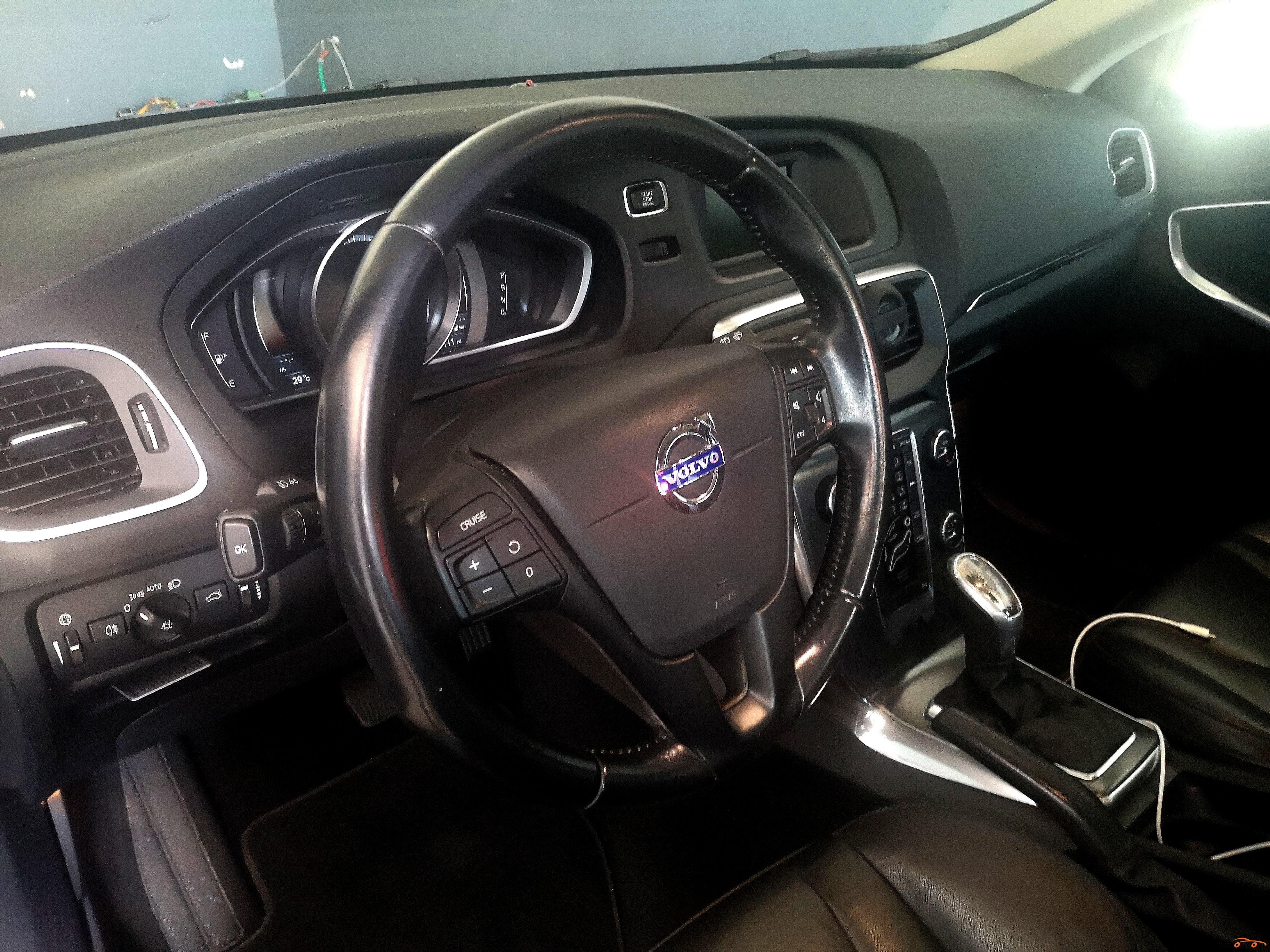 Volvo V40 2013 - 4